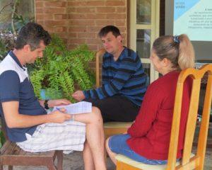 Planejamento institucional de albergue busca aproximar entidade de público beneficiário