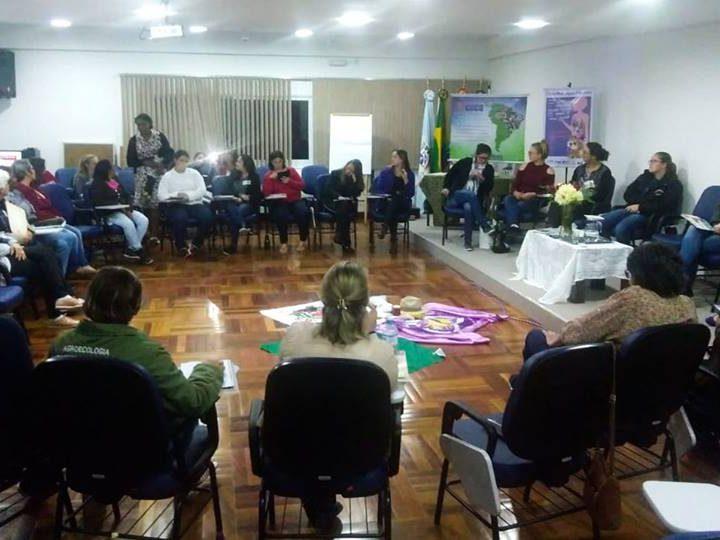 Mulheres do CAPA Santa Cruz participam do curso Promotoras Legais Populares