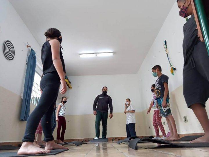 TRE – Auxilia crianças e adolescentes no enfrentamento da pandemia